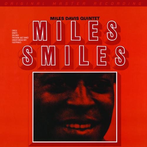 Miles Davis Miles Davis - Miles Smiles   (1x Limited to 3,000, Numbered Hybrid SACD) Jazz SACD. MoFi - Mobile Fidelity Sound Lab UDSACD2201. EAN 821797220163. Release date 01.01.1967. More info on www.sepeaaudio.com