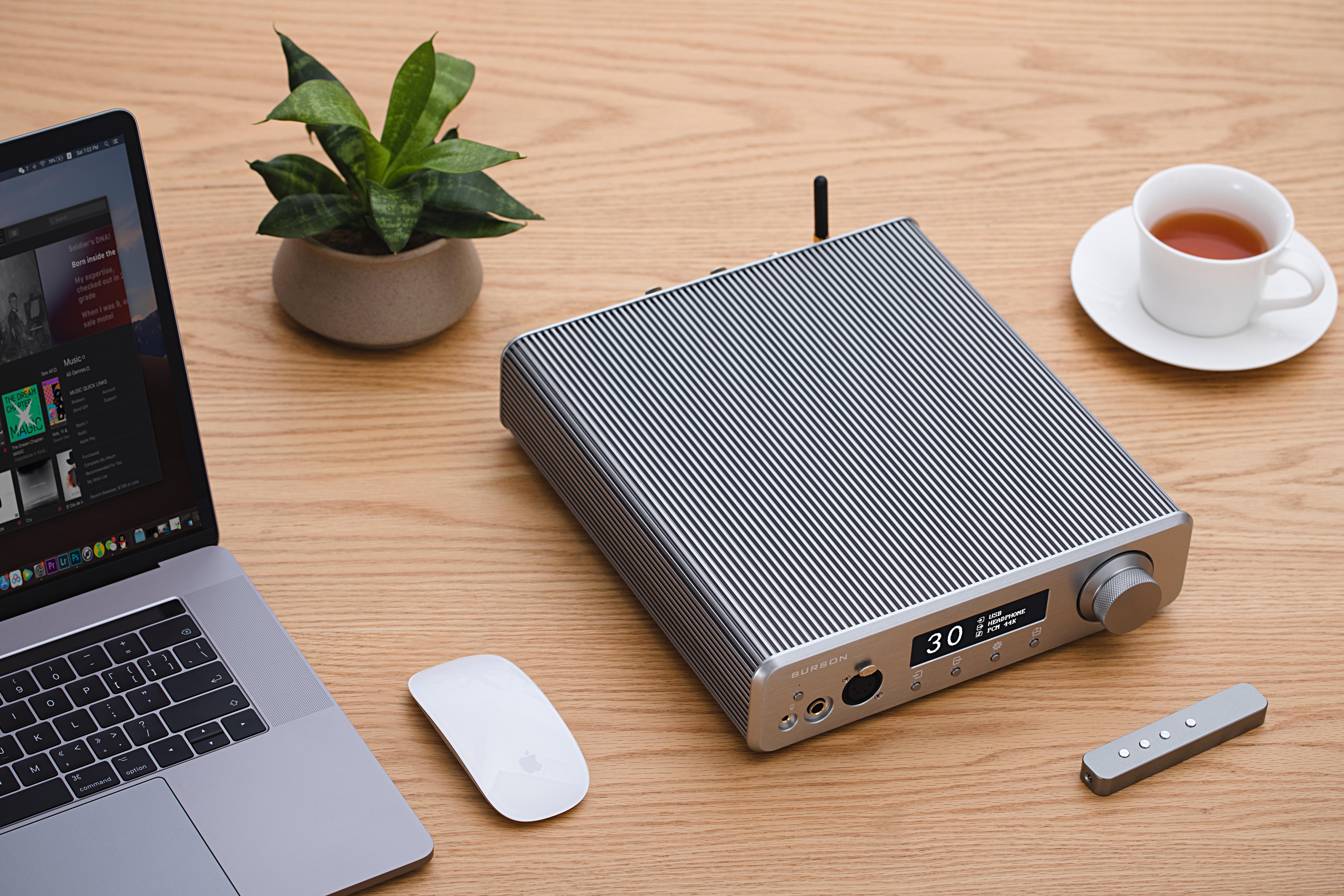 burson-audio-conductor-3x-reference-lifestyle4-headamp-preamp-dac.jpg
