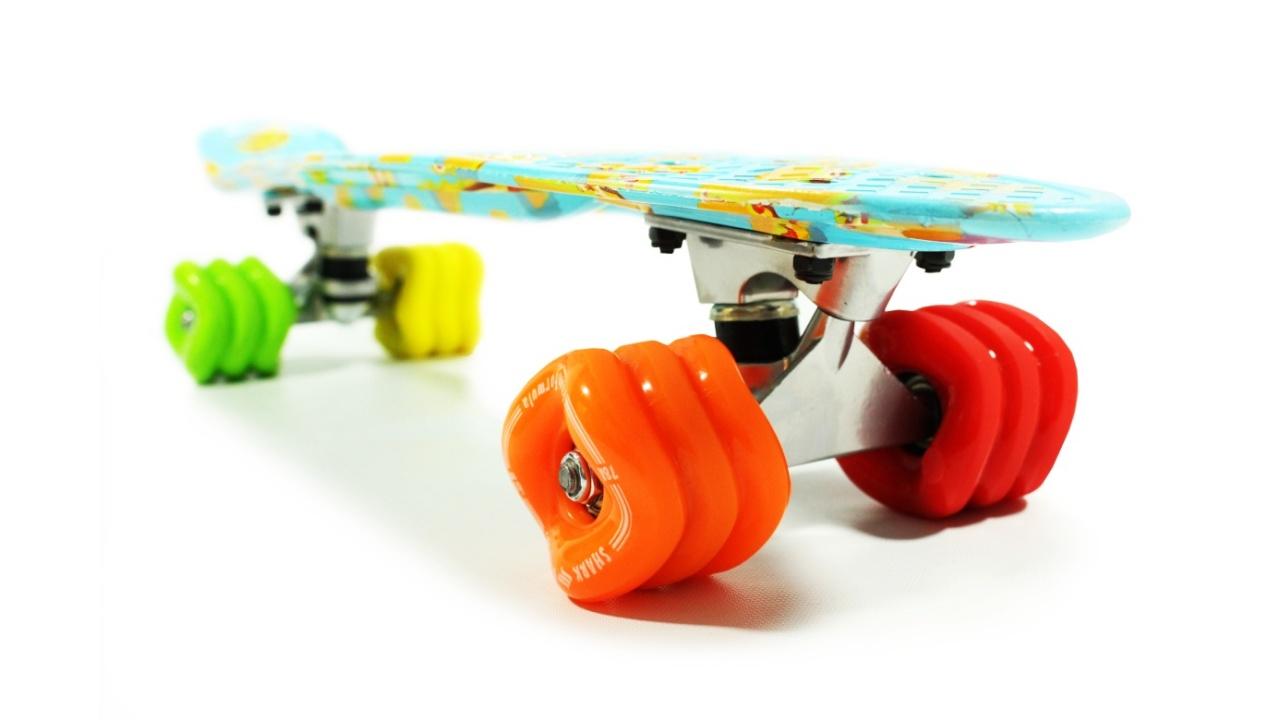 """Fiesta 22"""" Skateboard By Shark Wheel"""
