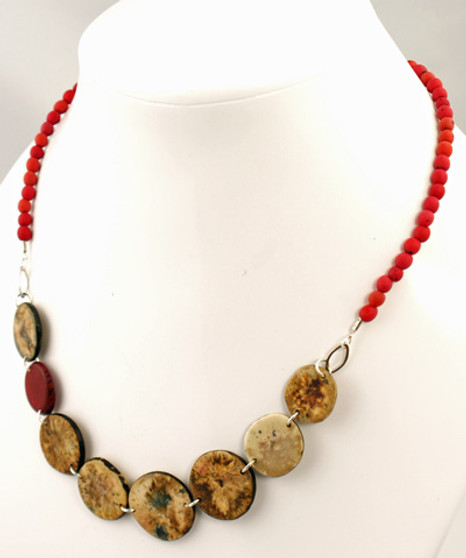 Chirilla Seeds and Hostia Nut Discs Necklace - Red
