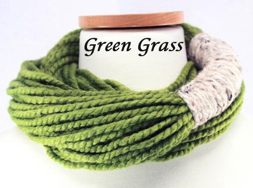 Bora Scarf 䋢 - Green Grass