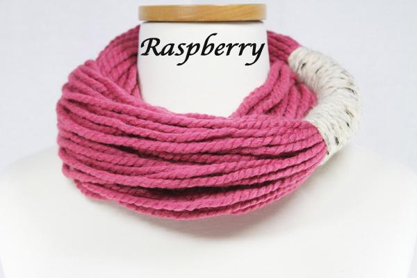 Bora Scarf 䋢 - Raspberry