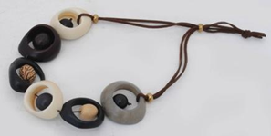 Natures Graffiti Simple Circles within Circles Necklace - Winter Elegant