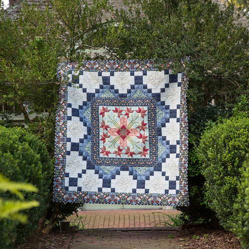 """True Morris"" Free Medallion Quilt Pattern designed by Carl Hentsch from Free Spirit Fabrics"