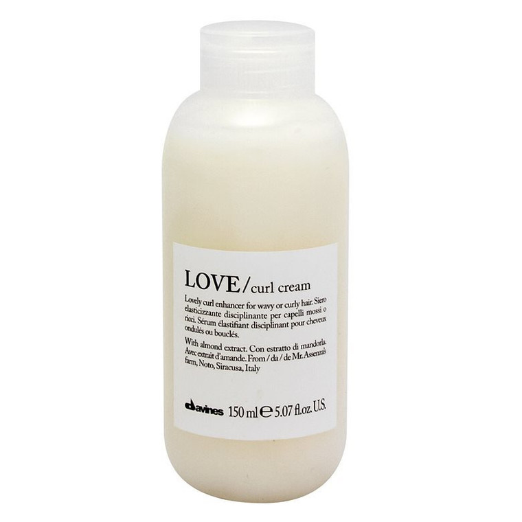 Leave-on serum for more definition on all types of curly or wavy hair. It does not weigh down, leaves no residue and leaves hair soft and shiny.