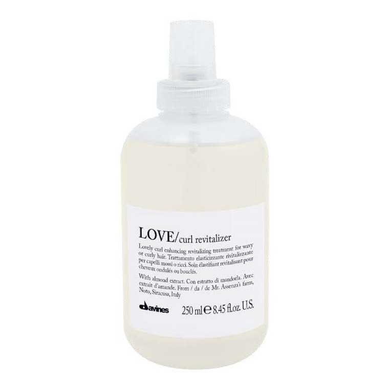 Elasticizing, revitalizing treatment for wavy or curly hair. It amplifies the vitality and elasticity of curls between one shampoo and the next. Control the frizz.