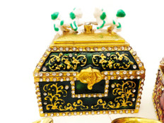 Green Treasure Chest for Income and Money Growth