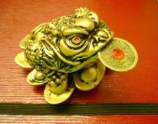 Auspicious Money Toad brings Money into your home or office.