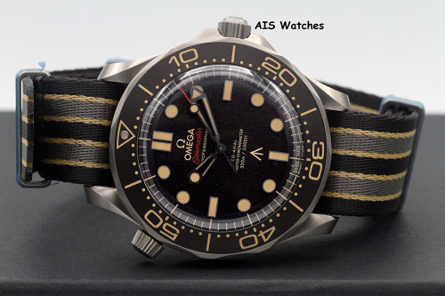 BNIB Omega Seamster Diver 300M 42 MM 007 James Bond Edition 210.92.42.20.01.001