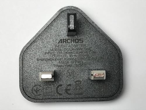 Genuine ARCHOS AC/DC ADAPTER MODEL DCS35-0500700E 5V 700MA USB CHARGER PLUG