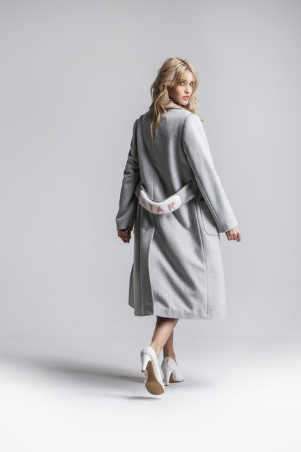 """THE ACCENT IS MADE OF FUR WITH THE INSCRIPTION """"STAR"""". Medium length coat SEVEN LAB"""