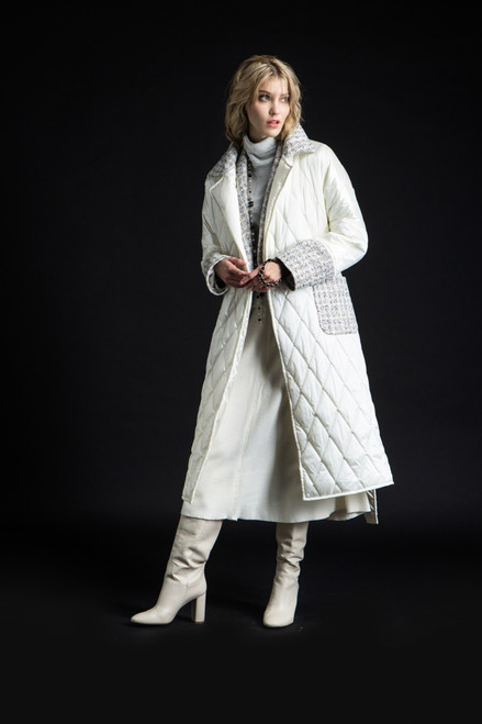 """WHITE QUILTED COAT WITH ONE LAYER OF INSULATION"" Coat on the belt SEVEN LAB"