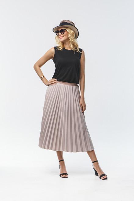 Long beige pleated skirt with elastic waistband