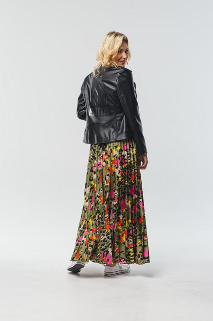 Pleated multi color skirt with elastic waistband
