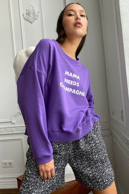 Violet sweatshirt «Mama needs champagne»