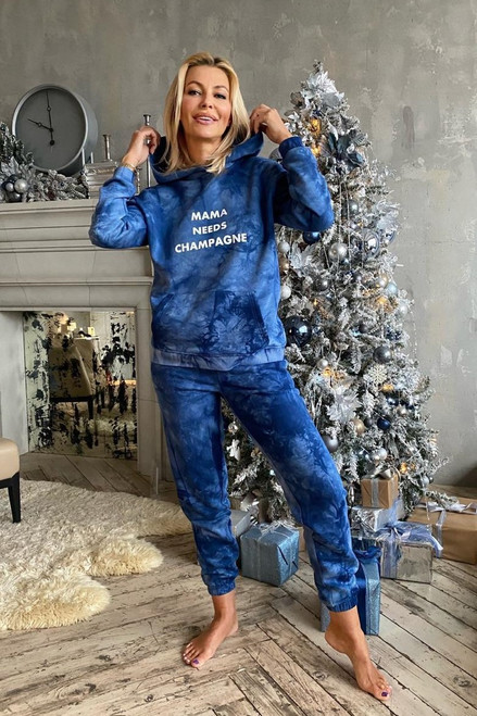 "Tie-dye blue flees track suit ""Mama needs champagne"""