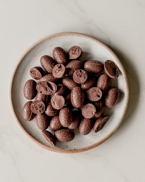 1KG Loving Earth Roast Hazelnut Chocolate Eggs