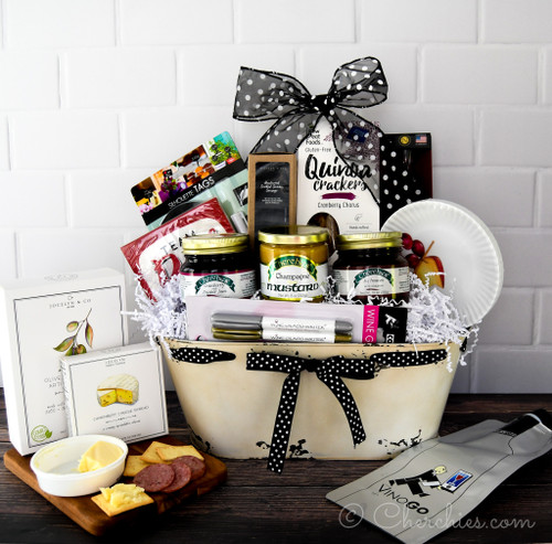 Deluxe Charcuterie and Wine Gift Set