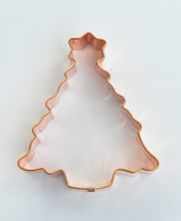 O CHRISTMAS TREE WITH STAR MEDIUM
