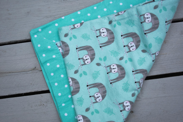 Green Sloth Print Flannel Baby Receiving Blanket