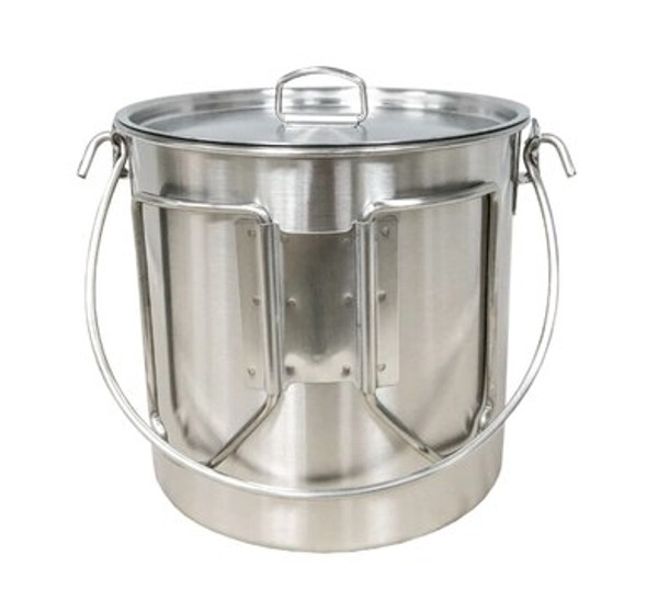 The Pathfinder Stainless Steel Bush Pot is light weight and has the capacity  to cook a hearty meal for a small family. Extremely durable and fire ready. Holds up to 64 oz.