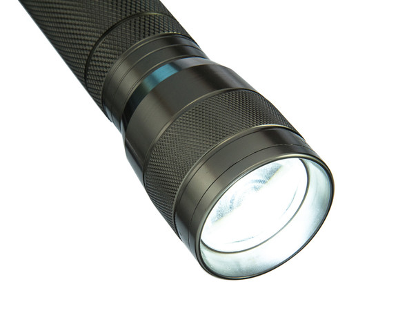 This Adjustable Focus Aluminum Flashlight is a compact and lightweight flashlight that is focus enabled.