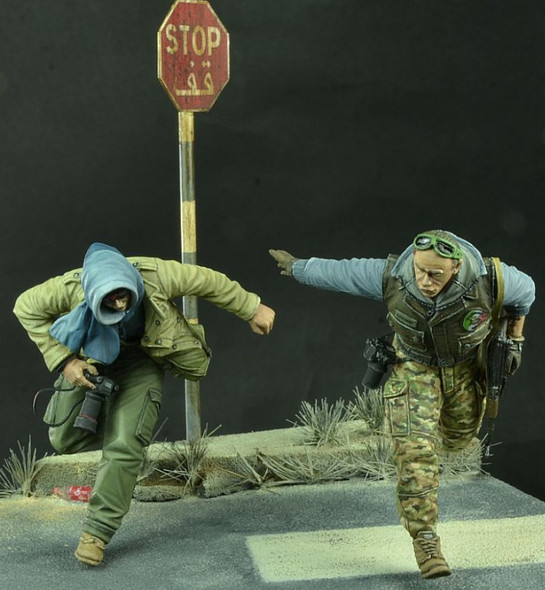 On the run - The War Correspondent Set, Modern Times