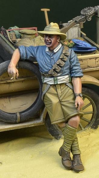ANZAC soldier Leaning WW1