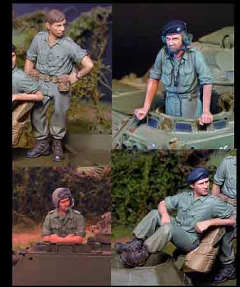 Australian Tank Crew set Vietnam (incl PE mics)