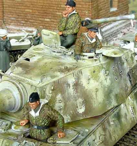 German Winter Tank Crew