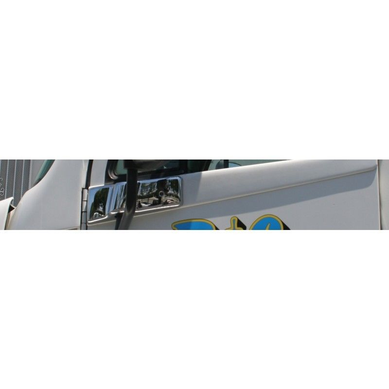 Freightliner Chrome Mirror Post Cover, Passenger side