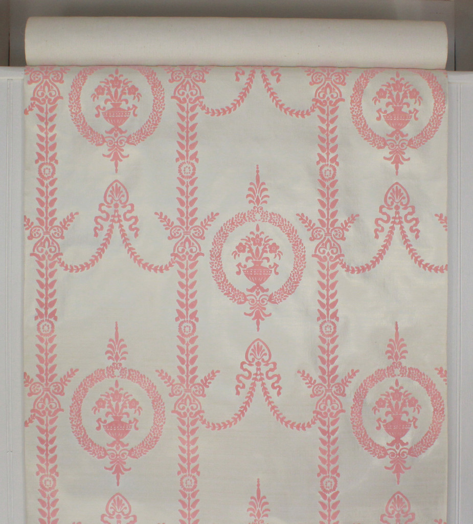 1970s Vintage Wallpaper Pink Victorian Flock Design