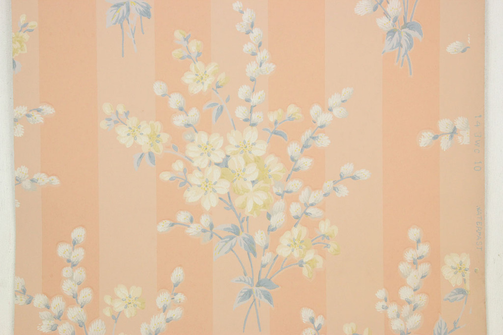 1940s Vintage Wallpaper Bouquets on Peach Stripe