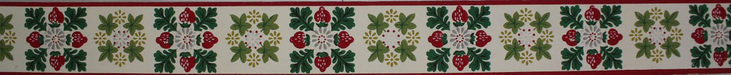 Trimz Vintage Wallpaper Border Strawberry Square