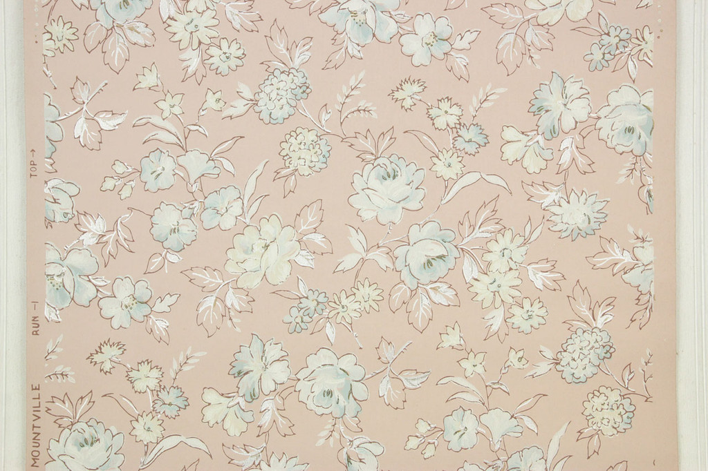 1940s Vintage Wallpaper Blue Roses on Pink