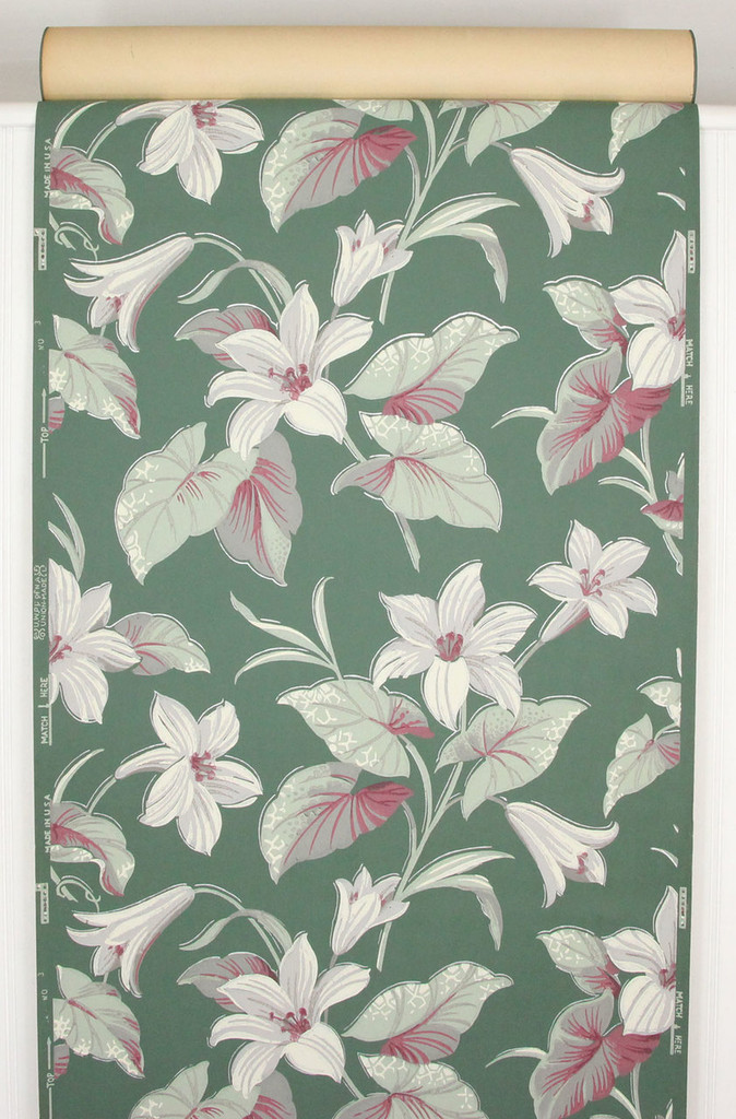 1940s Vintage Wallpaper White and Red Flowers on Green