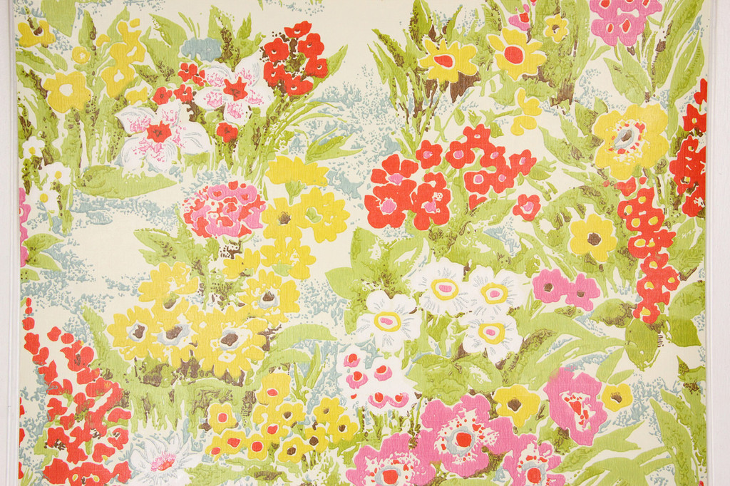1970s Retro Vintage Wallpaper Red Yellow Flowers