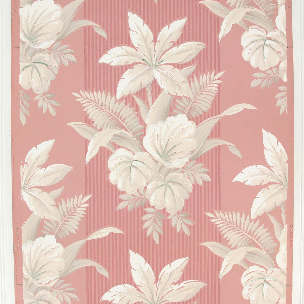1940s Vintage Wallpaper White Flowers on Pink
