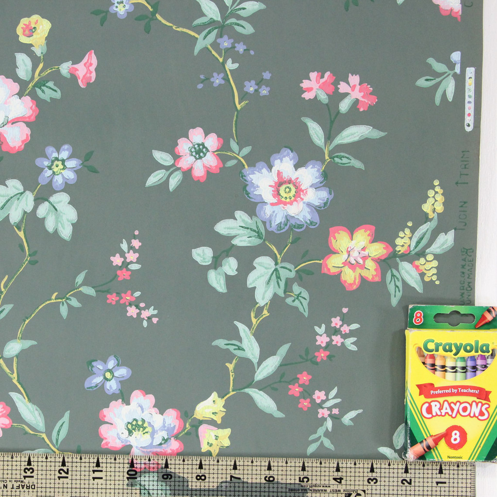 1940s Vintage Wallpaper Pink Yellow Flowers on Green
