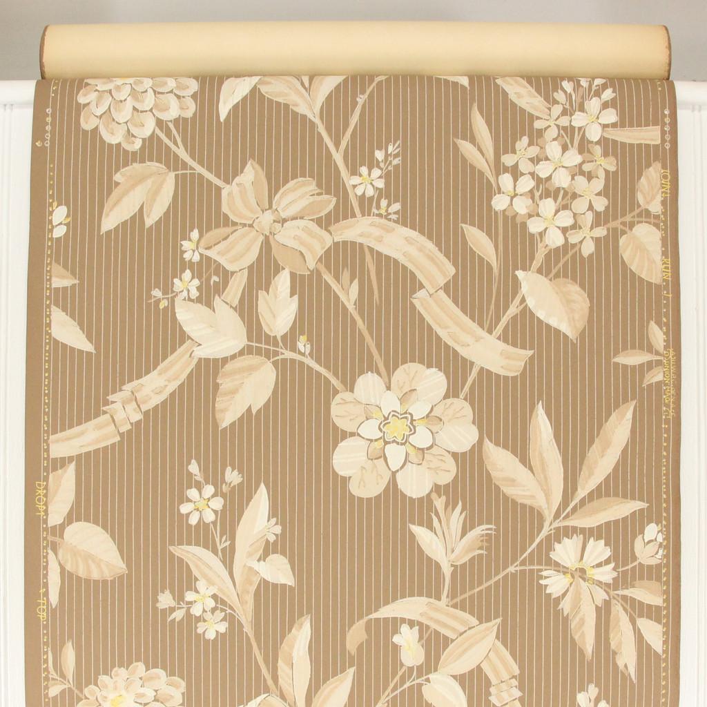 1940s Vintage Wallpaper White Floral on Brown
