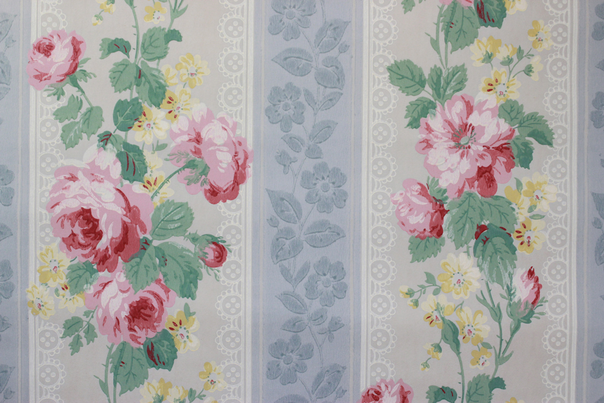 1950s Vintage Wallpaper Botanical Wallpaper with Pink and Green Flowers on Gray
