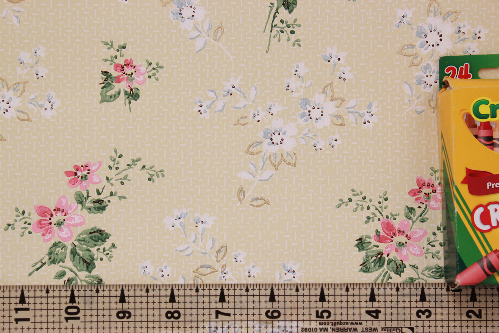 1950s Vintage Wallpaper Pink And White Floral On Yellow
