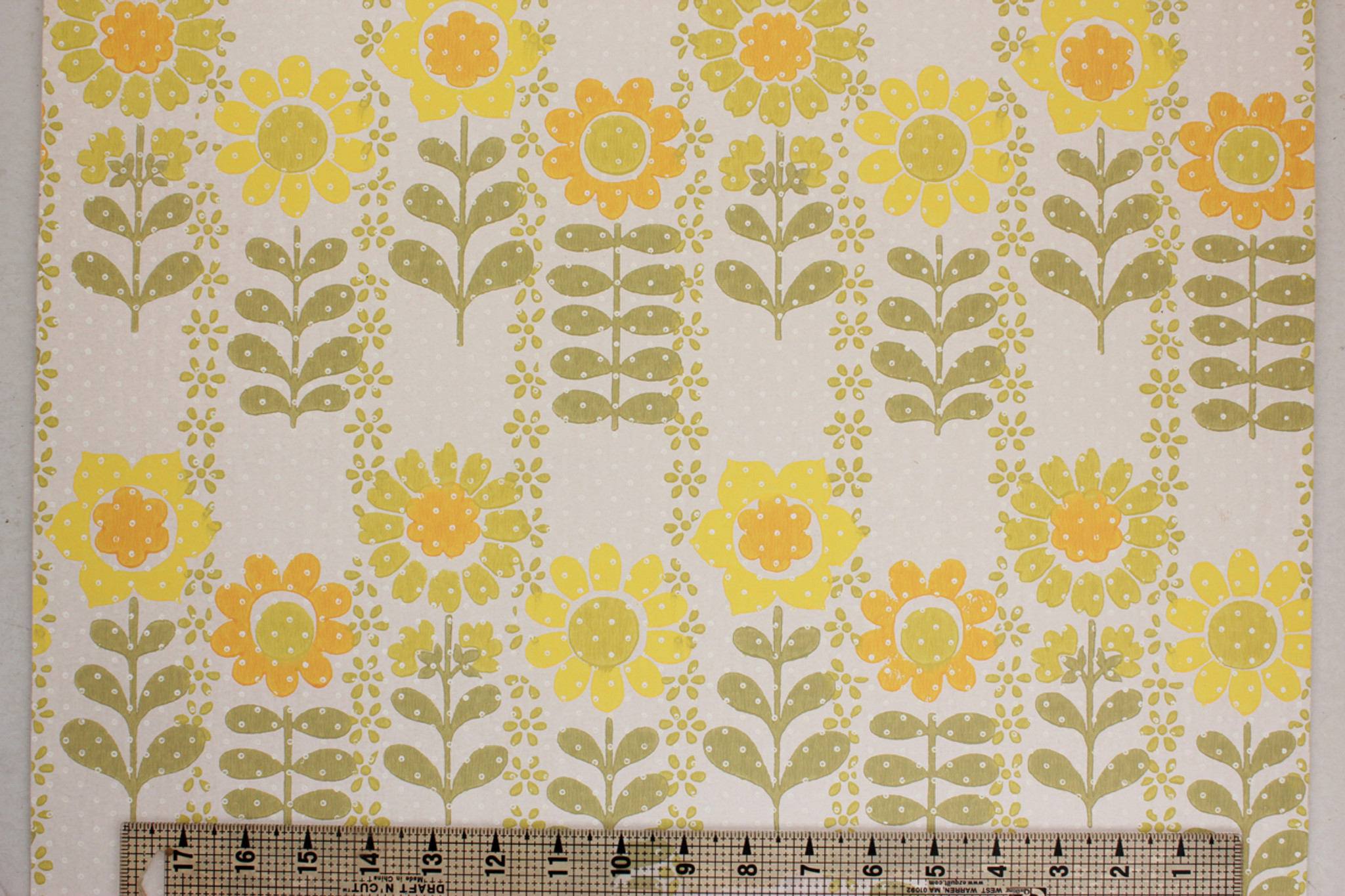 1970s Vintage Wallpaper Retro Yellow And Green Flowers Rosie S