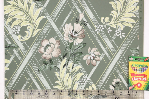 1940s Vintage Wallpaper Beige and Yellow Flowers on Green