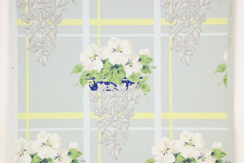 1940s Vintage Wallpaper White Flowers on Blue