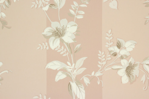 1940s Vintage Wallpaper White Flowers on Mauve