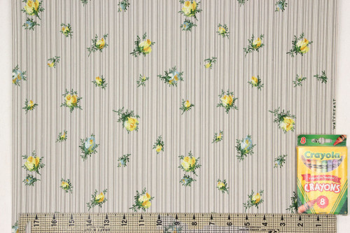 1940s Vintage Wallpaper Yellow and Blue Rosebuds on Stripe