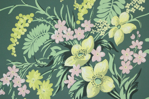 1940s Vintage Wallpaper Pretty Bouquets on Dark Green