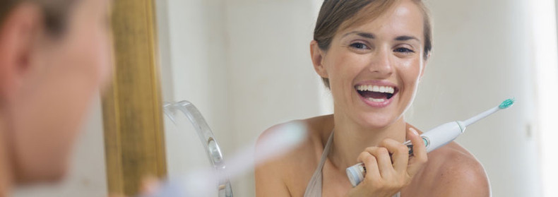 Natural Alternatives to Toothpaste
