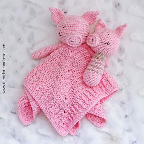 Sleepy Baby Pig Comforter & Buddy